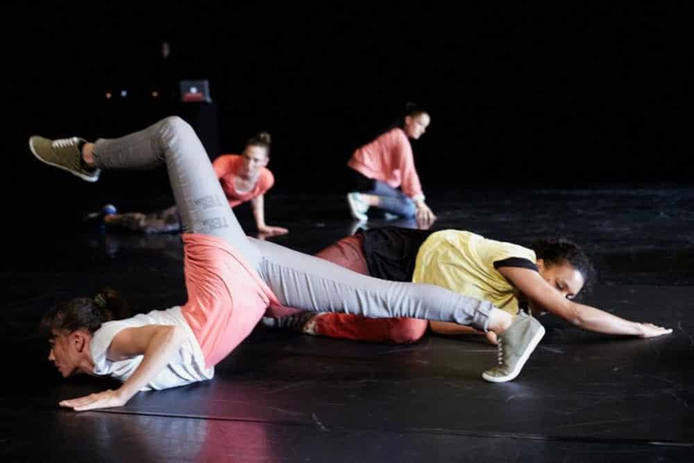"""Tu es qui? Tu es quoi?"" @ Breakthrough Festival im Tanzhaus Zürich, 2012. Foto: Helen Ree"