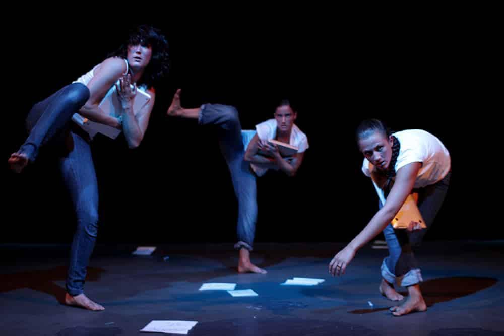 """Booked - a dance piece about the social network"" @ Kulturmarkt Zürich, 2011. Foto: JD Pictures"